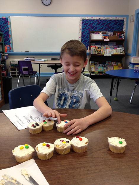AE/MS Celebrates Helen Keller With Cupcakes