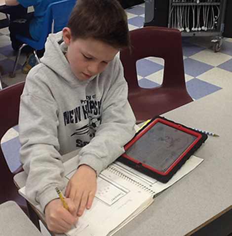 AE/MS Uses iPads To Help With Studies