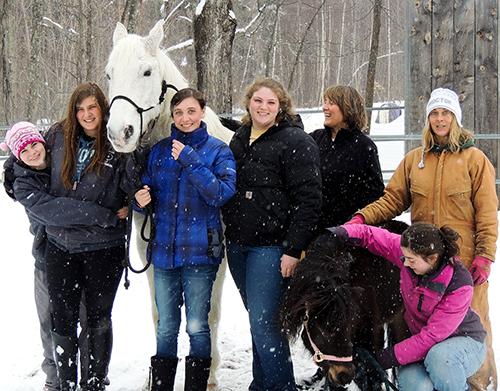 Area Students Enjoy Winter Horsemanship