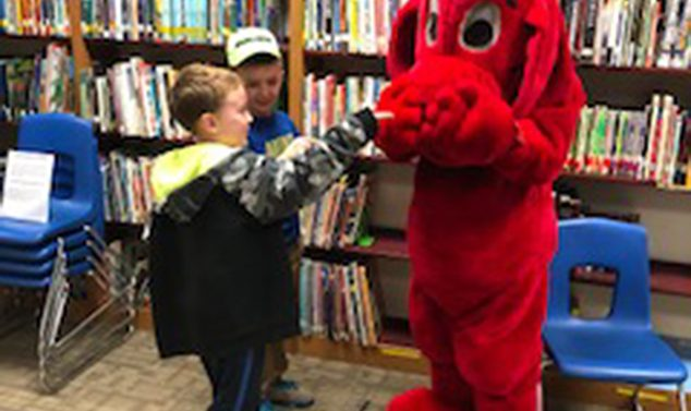 Clifford Visits the AE/MS Book Fair
