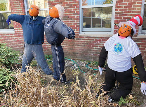 It's Time to Get Creative With Scarecrows and Pumpkins!