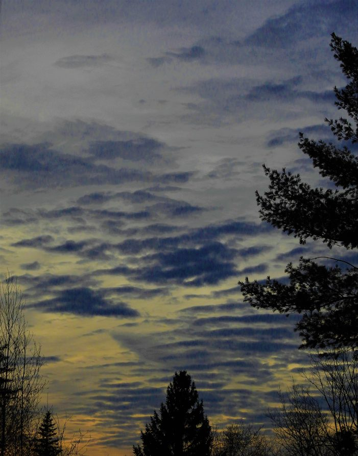 Stunning Post-Sunset Cloudscape Appears Over Highland Lake