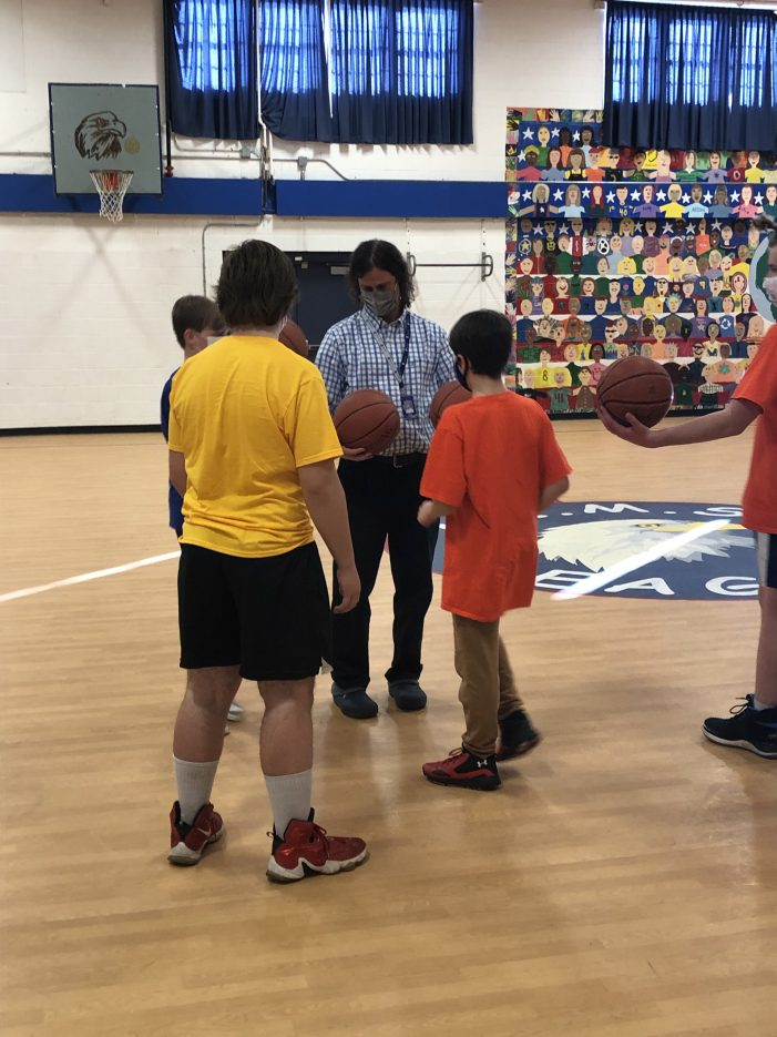 Basketball Returns to AE/MS With Middle School Program