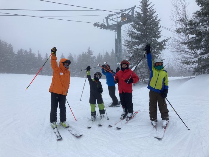 AE/MS Students Get Outside for Ski Lessons at Ragged Mountain