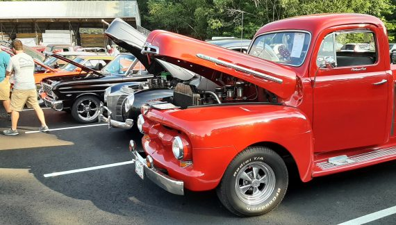 Ricky's Cruise In Offers Car Lovers a Real Treat